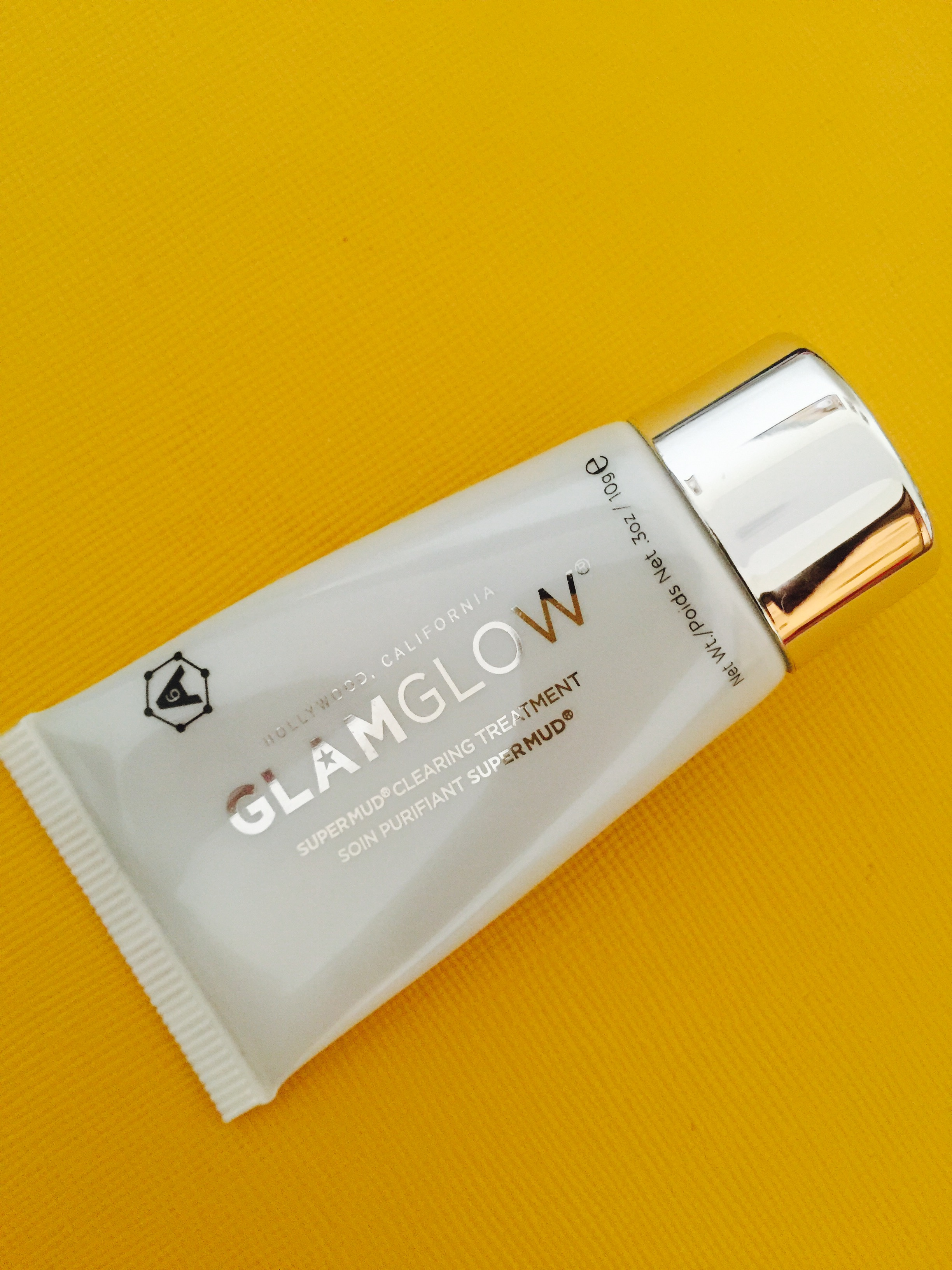 Glam glow super mud clearing treatment
